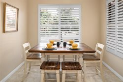 Just Listed! Beautiful 2 Story Townhome Located In Golf Community! Community Pool & Hot Tub - Mesa Grande S087