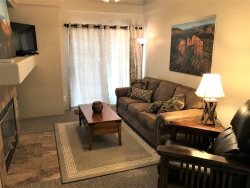 Nice sized Condo with a touch of the Southwest! Centrally located in West Sedona CLIFF - ROSE - SO68