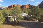 Pine 120 is a secluded 3BD Sedona retreat that comfortably sleeps 10 guests