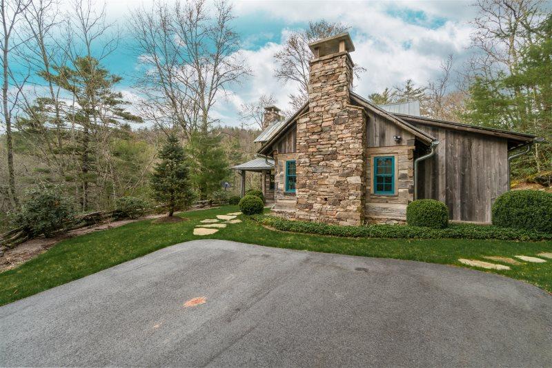 Rent In Highlands Vacation Rental Black Stone Cottage