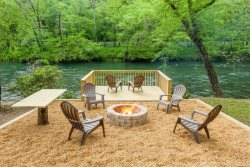 Toccoa River Getaway-15 Minutes from Downtown Blue Ridge