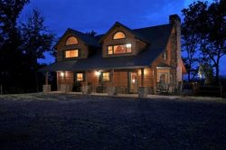 Sky High Sanctuary - Custom Canadian Log Home - Sleeps 16
