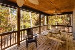 Spacious Covered Porch with picnic table & seating