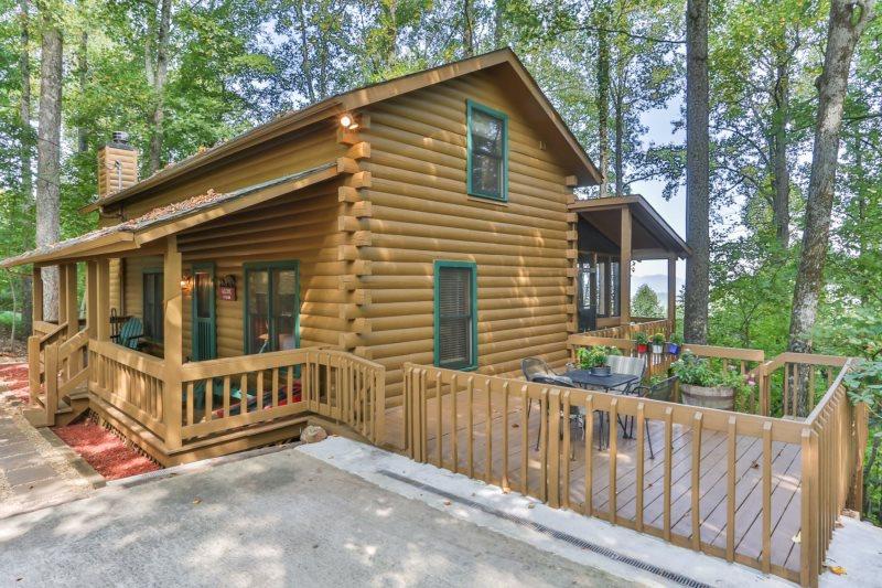 Mountain Oasis Cabin Rentals | North GA Vacations - Heaven's