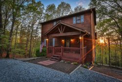 Summers' Ridge - Adorable Cabin in Resort Community