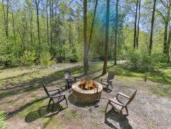 Clear Creek Cottage - Trout Fish from your backyard!