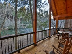 Cedar Shoals - Fabulous Coosawattee River Cabin