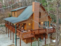 Riverview Hideaway - 4 Bedroom Cabin with River Views