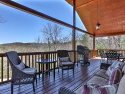 Appalachian Escape-Private, Views -10 Minutes from Downtown Blue Ridge & Less than 10 Miles from Marina!