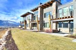 Sleek Decor and Sweeping Mountain Views, Private Hot Tub