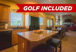 Luxury Town Home, Sleeps 11,  FREE GOLF
