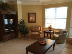 Fantastic 2 bedroom Condo at Crow Creek