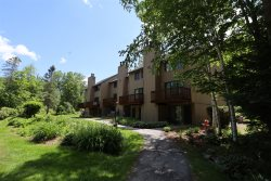 Waterville Valley Pet Friendly Vacation Condo close to Community Center!