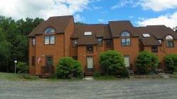 Waterville Estates Family Vacation Condo with access to Recreation Center and Campton Ski Mountain