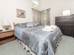Queen Bed in Waterville Estates Private Home