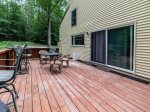 All Mountain Rentals Roomy Deck in the trees in Waterville Estates