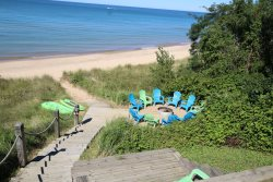 Family Tides - Private Beach, Hot Tub & Endless Lake Michigan Views