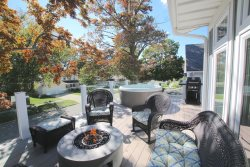 Maple St Retreat 3 Bedroom - Hot Tub & Fire Pit, Close to Kids Corner Park & South Beach!