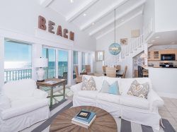 Top Floor unit with Gorgeous Beach Views and Exquisite Sunsets