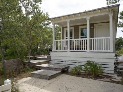 Beautiful Blue Mtn Beach Cottage!!  Natural Setting exudes peace and quiet.