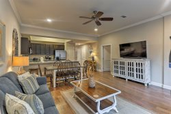 Beautiful-Ground Floor Unit- Community Pool -Complimentary Beach Chairs- Landon on the Gulf - Miramar Beach/Destin