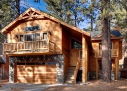 V50-Beautiful, new Tahoe home just a block to the Lake with a private hot tub