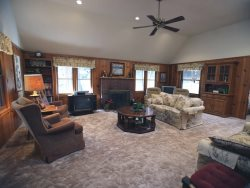Emmett's Escape - Relaxing home on level lot ... a perfect escape!