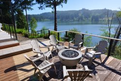 Peaceful Waters - Fabulous Lakefront View of Siltcoos Lake, Private Dock, Jacuzzi, Kayaks, Multiple Decks, Modern and Luxurious!