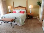 Gulf Front Master Bedroom With King Bed