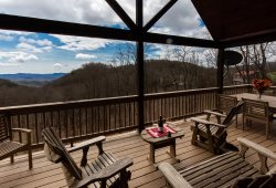 Boonedoggle - Upscale Mountain Cabin with Beautiful Views, 2 Master Suites on Main, Big Hot Tub (lower level), Gas Fireplace