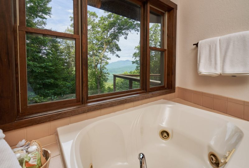 Blowing Rock Properties - Treehaven - NC