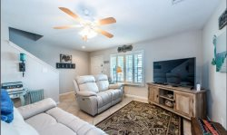 GULFSIDE GETAWAY. Spacious 2 BR Townhouse. Pet Friendly. Walk to the Beach. Townhouse #48.