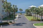 SCENIC BLUE GULFSIDE VIEW. Pet Friendly! Free Beach Service Included. Maravilla 4203.