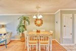 Comfortable casual dining. Spend some time together while on Vacation.