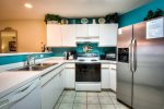Cheerful Fully-Equipped Kitchen