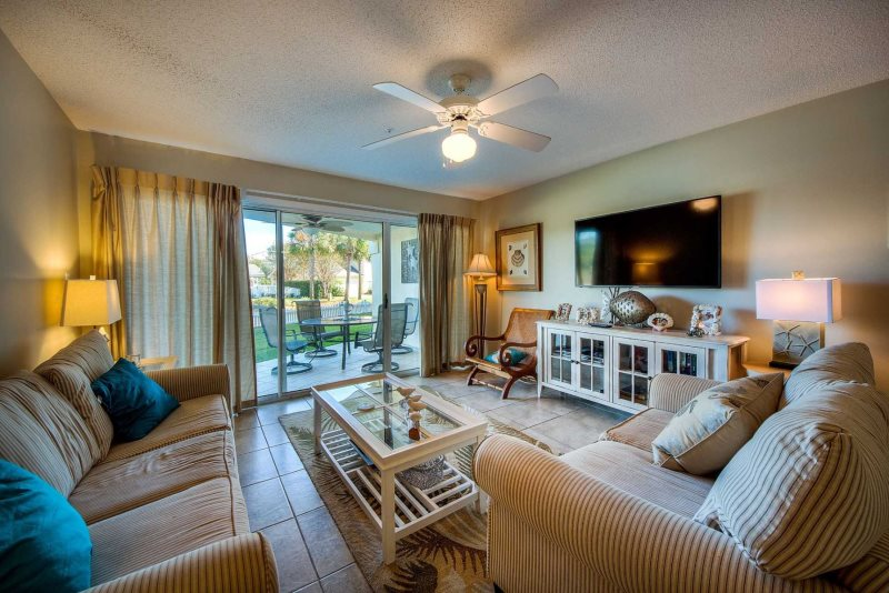 Ground Floor   King Bed, Queen Bed, Sleeper Sofa    Spacious,  Nicely Decorated, Ground Floor Condo