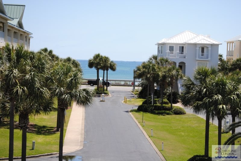 Pet Friendly Balcony With Ocean View 3rd Floor Comfy King Bed Hallway Bunks Looking For A Comfortable Destin Florida Condo Look No Further