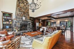 Luxury Ski In/Ski Out Townhouse 149 on Whitefish Mountain Resort