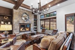 Luxury Townhome on Whitefish Mountain, 117, STEPS away from biking & hiking trails!