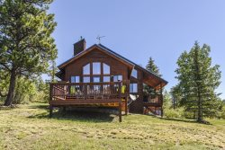 Pine Vista, a beautiful home located in Pagosa Springs, offers a serene and relaxing vacation.