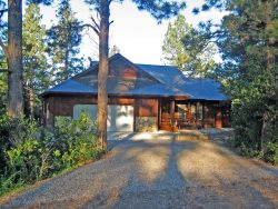 Capitan is a beautiful vacation home in Pagosa Springs backing up to the National Forest and Martinez Canyon.