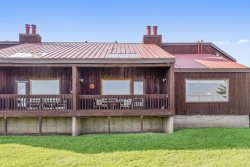 Aspenwood 4252 is a charming studio condo in the heart of the Pagosa Lakes area.