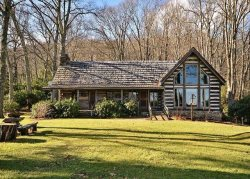 Fall In Love With This Luxurious Log House On The Edge Of The Great Smoky Mountains National Park