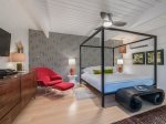 Casita: King Bed