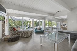 Mid-century Modern Architectural House With Large Pool In Central Palm Springs