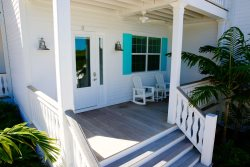 Your family will be very comfortable in this brand new 3 bedroom bayside Islamorada vacation rental located in the Art District.