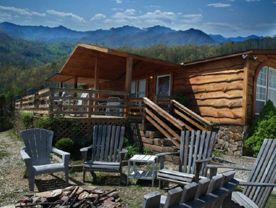 Affordable pet friendly cabin rental near bryson city nc for Smoky mountain nc cabin rentals