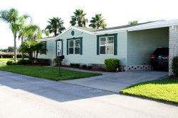 Sleep up to 8 people in this fully equipped- Palm Key Village home.
