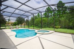 Sleeps up to 10 in this fully equipped home- Calabria in Kissimmee