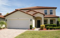 Sleeps up to 10 in this fully equipped - Tuscany at Westside